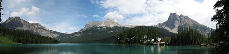 Emerald Lake panorama