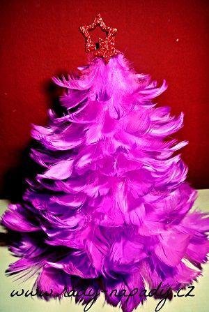 Stromeček z peříček