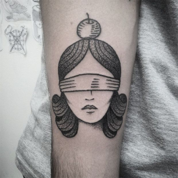 #tattoofriday - Handpoked tattoos. Thiago Bartels, Trigs, Brasil.