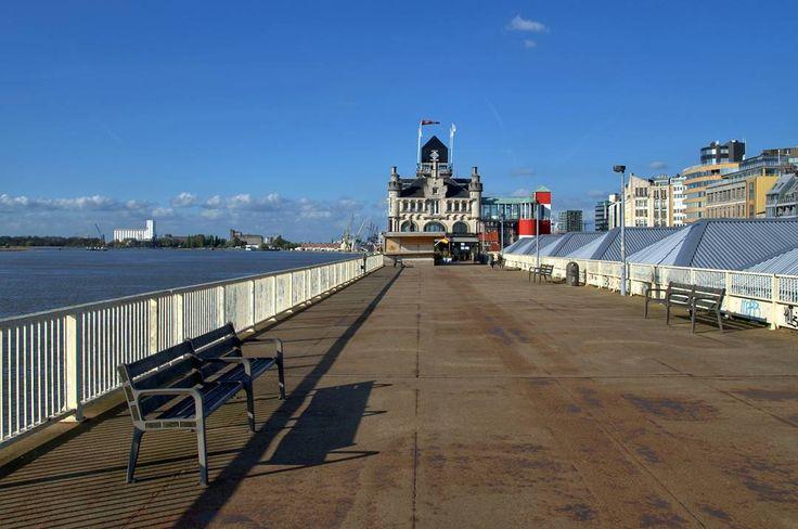 The Scheldt Riverbank in Antwerp  #belgium #antwerp #travel #afternoon #scheldt #river #riverbank #water #bluesky #bench #street #streetphotography #nikon #nikonphotography