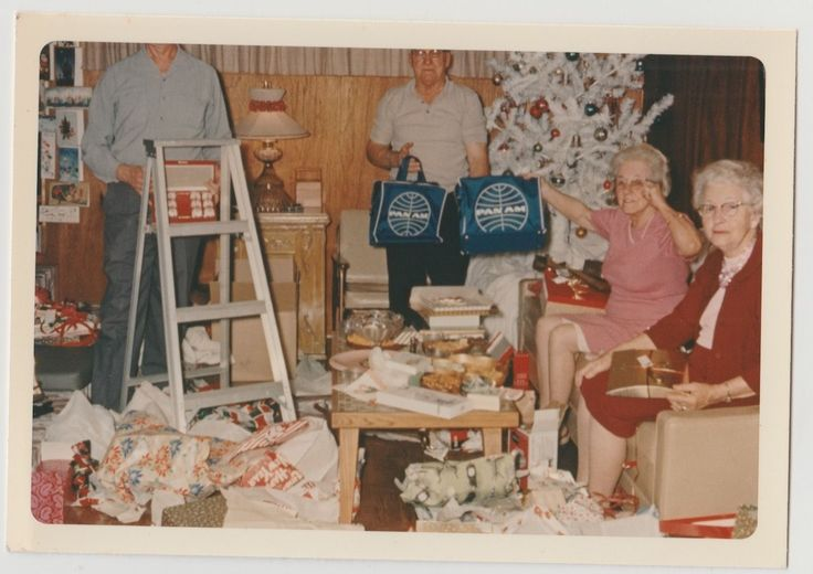 Vintage 60s PHOTO Adult Couples Opening Christmas Presents Pan Am Bags | eBay