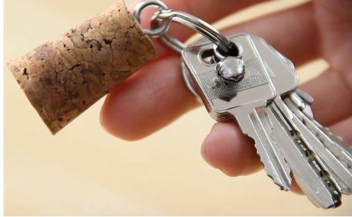 Riuso creativo Tappi di Sughero: Portafoto - Segnaposto - Sigilli per Sacchetti - Feltrini per Sedie e Porte - Pomello - Portachiavi - Etichette da Giardino