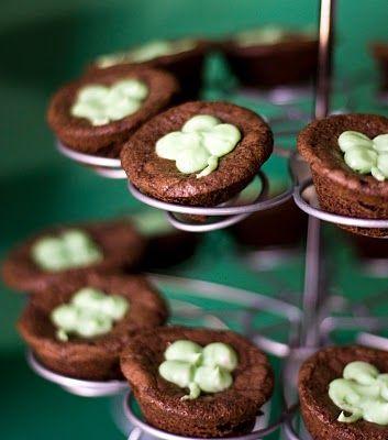 St. Patricks Day Brownies: Cream Cheese Frostings, Guinness Brownies, Baileys Frostings, Brownies Bites, Cream Chee Frostings, Sweet Tooth, Baileys Cream, St. Patrick'S, Brownies Food