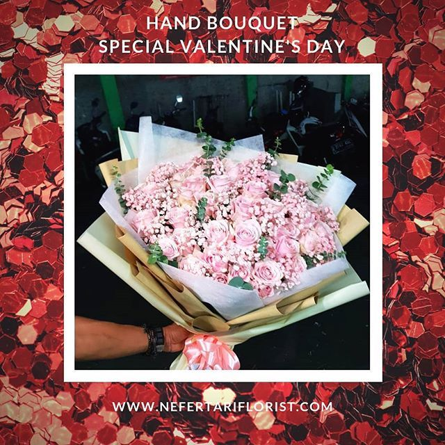 Happy Valentine S Day Selamat Hari Kasih Sayang Jangan Lewatkan Moment Hari Kasih Sayangmu Persiapkan Sekarang Sel Valentine Special Hand Bouquet Special Day