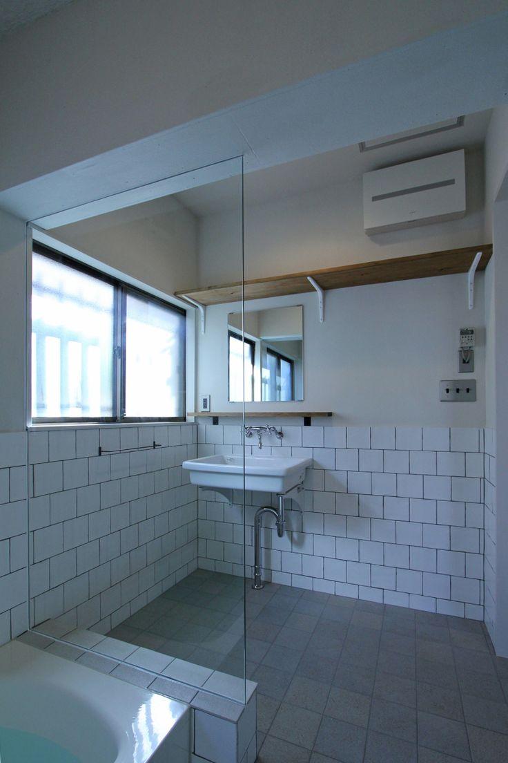 LAVATORY/POWDER ROOM/TOILET/TILE/洗面室/トイレ/洗面台/洗面器/タイル/フィールドガレージ/FieldGarage…