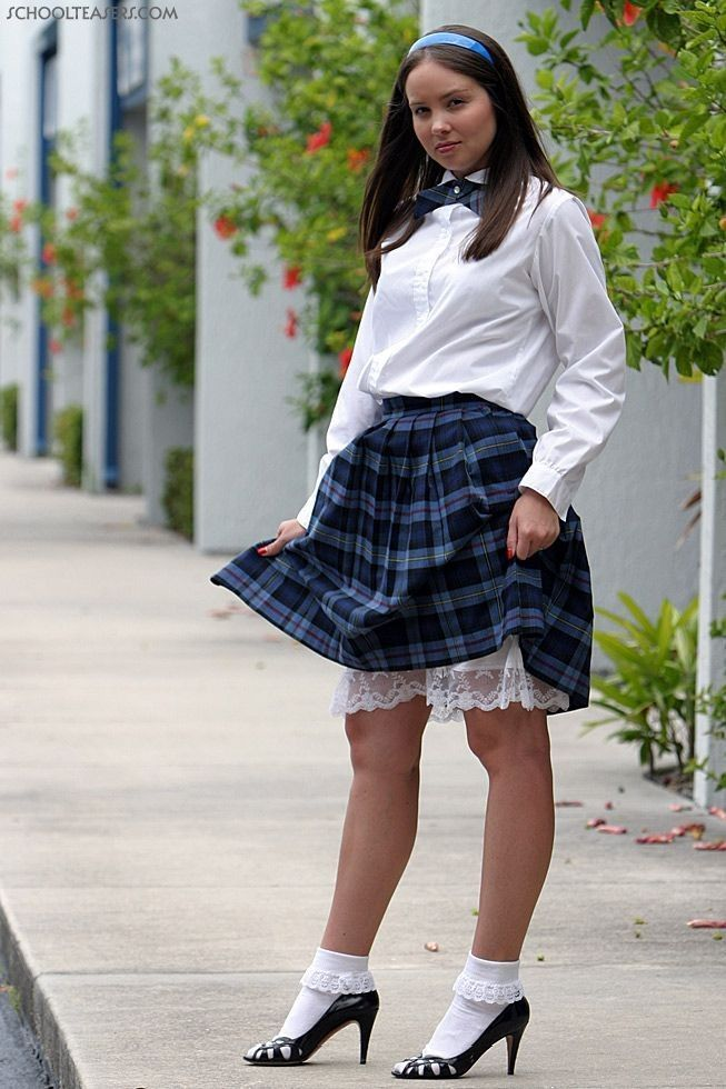 foto de 167 best glamourvision images on Pinterest Schoolgirl School forms and Boot socks