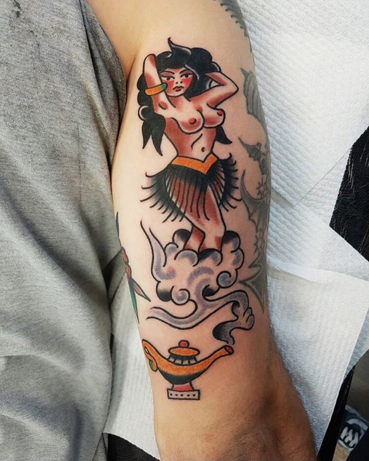 Traditional Genie Girl tattoo done by Fabian Bidart #sunsettattoonz www.sunsettattoo.co.nz