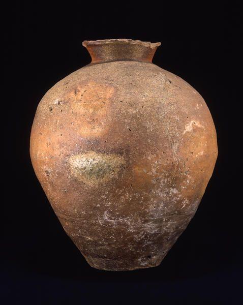 TitleLarge Jar ProvenanceShigaraki kiln, Shiga pref. PeriodMuromachi period Century15c MaterialsShigaraki ware DimensionsH-46.5 D-39  Formerly in the collection of Kobayashi Hideo
