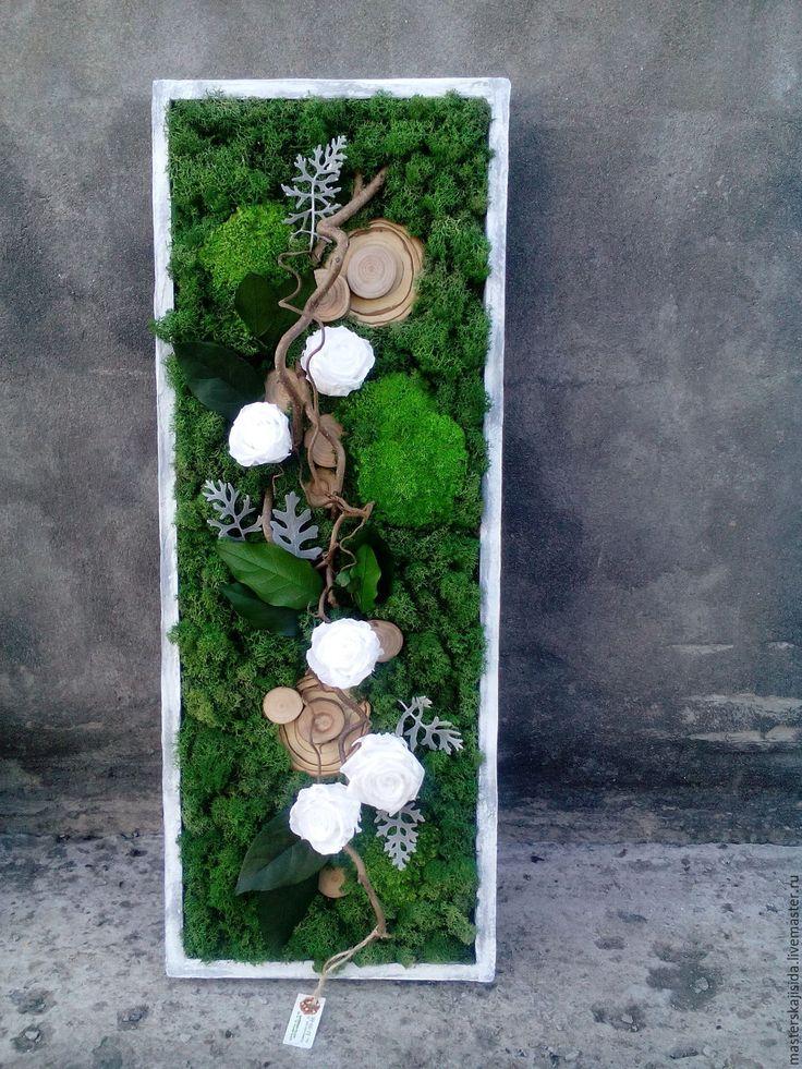 """Купить Фитокартина из стабилизированных растений """"Белые розы"""" - тёмно-зелёный, стабилизированные цветы, стабилизированный мох"""