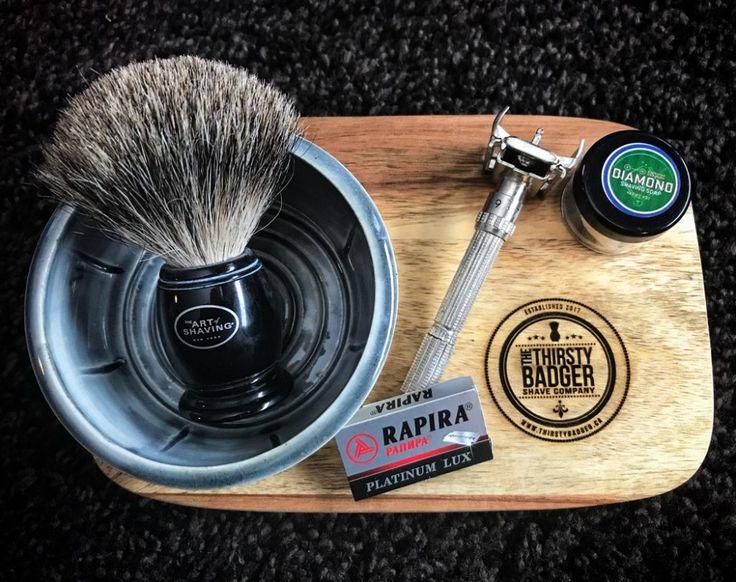 #SOTD #samplesaturday #wetshaving #shavelikegrandpa Razor: Gillette Slim Adjustable on 3 Blade: Rapira Platinum Lux Brush: The Art of Shaving Pure Badger Soap: Barrister and Mann Diamond Other: Thirsty Badger lather bowl