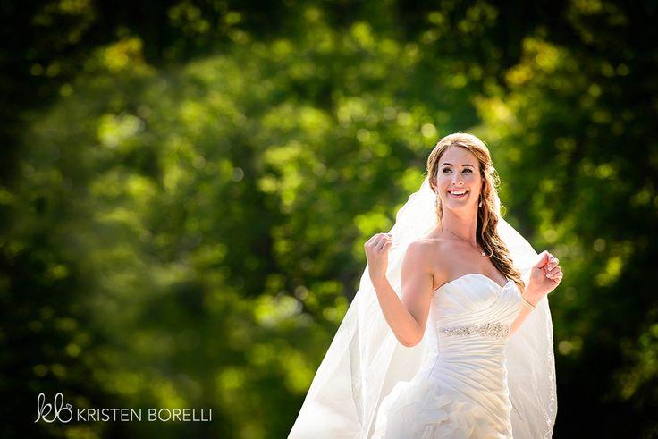 Bridal Portrait | Kristen Borelli Photography | Vancouver Island Weddings | Patterson Kaye Lodge Wedding Photography |