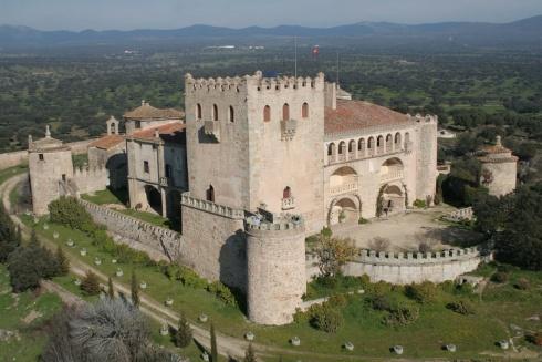 El país de los alcornoques y el castillo de Álvaro de Luna: Alburquerque (Badajoz)