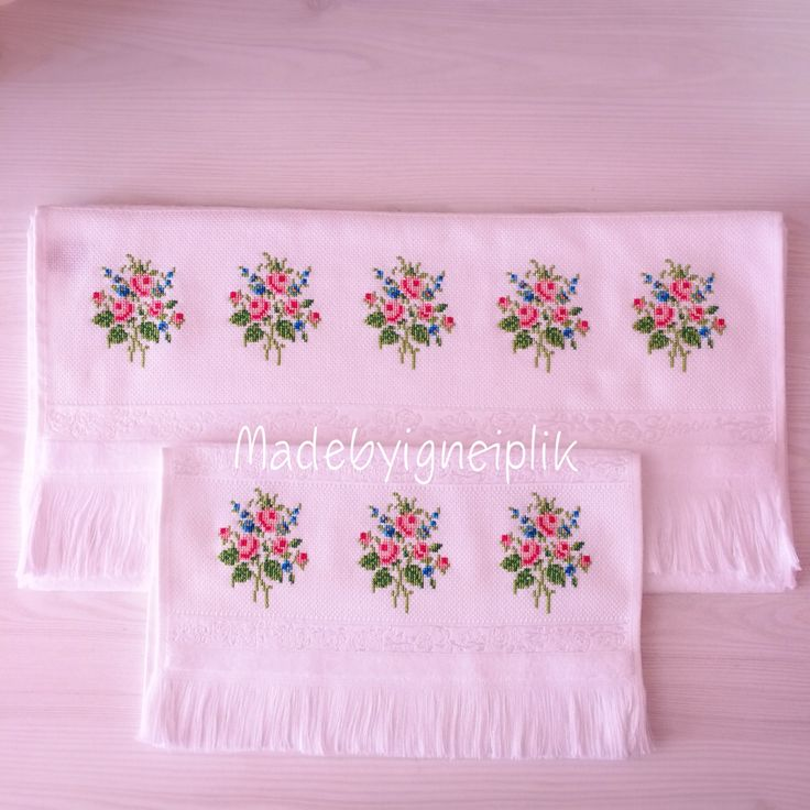Cross stitch floral towel İnstagram / madebyigneiplik
