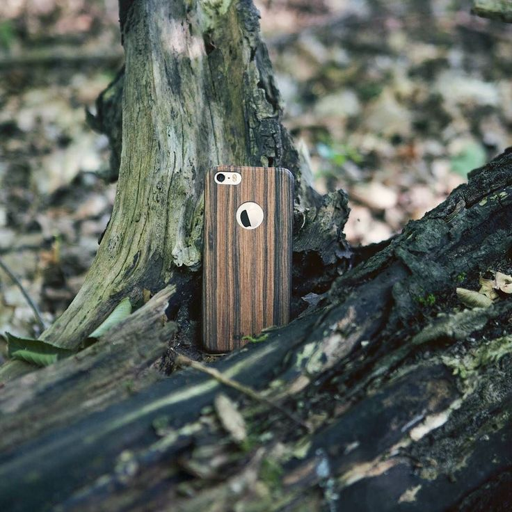 Fend off holiday weight gain with a little hide-and-seek in the nearest forest. Or just enjoy a relaxed walk. Link to our cases in bio and here: http://amzn.kalibri.de/wood-xmas  #hülle #kalibri #iphone #iphone6 #iphone5 #berlin #minimalism #design #style#woodencase #inspiration #smartphone #ultraslim #pure #blogger#mobileaccessories #iphonecase #iphone7 #xmas #postxmas