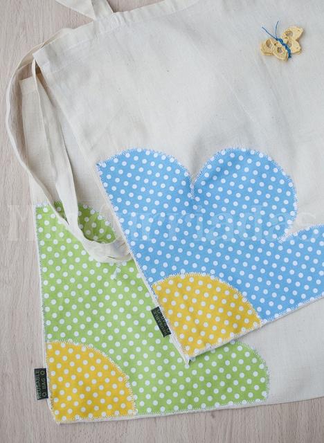 Bolsa con aplicación en tela de lunares. Bags with applique.