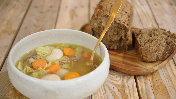Maaltijdsoep met soepvlees, kool en rapen   Dagelijkse kost