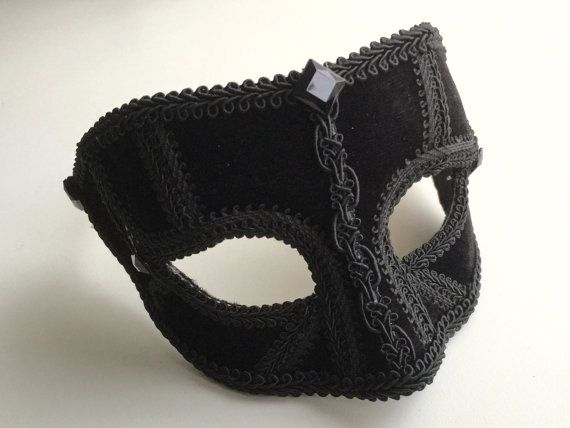 Male mask, black velvet male masquerade mask with lovely trim details. Suitable for many occasions!!!!  Light and comfortable to wear with glasses style fitting.  One size fits all.  Will arrive wrapped in a black organza bag with black tissue paper and discretely sent in a postal box.  Thanks for looking xx