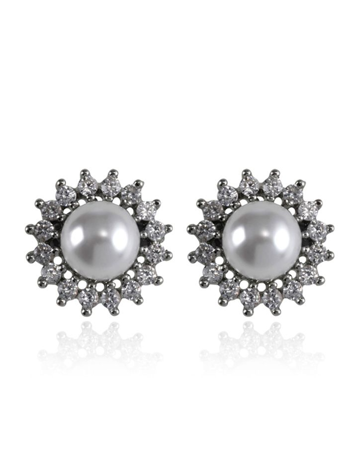 The distance of dawn pearl stud earrings feature a pearl surrounded by shimmering crystals. The most perfect way to complete your bridal look. #SamanthaWills #wedding