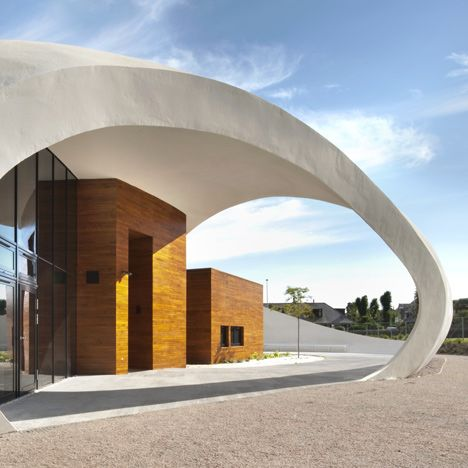 Maggie's Centre for cancer care by Norwegian architects Snøhetta.