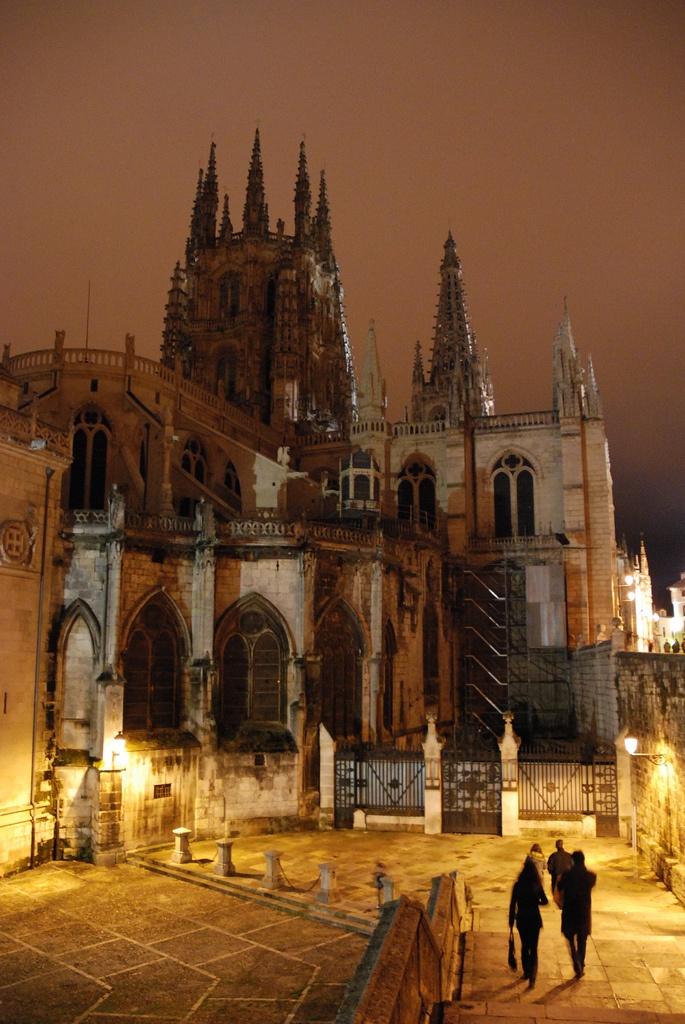 Nocturna de la catedral de Burgos, Spain