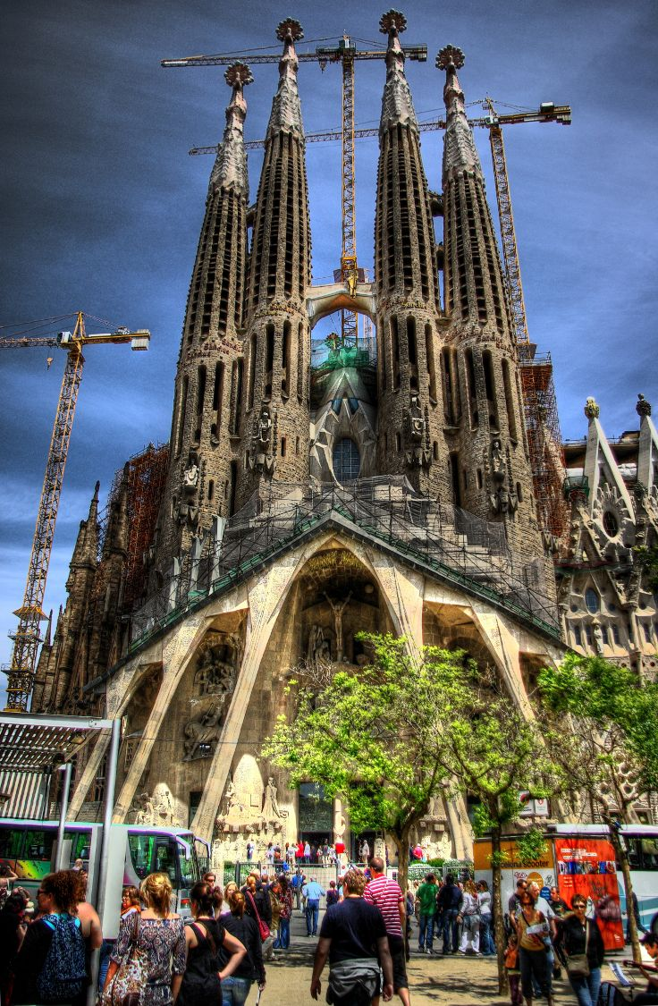 TOP+10+Must-See+Things+In+The+Magnificent+Barcelona+#1+Will+Leave+You+Speachless - I love Barcelona. Would love to live there one day.