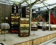 Installation und erste «Work in Residence»-Resultate von JamesPlumb im Hof des Spazio Orlandi