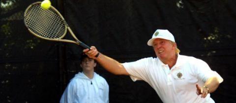 Donald Trump spielt Tennis – und das Netz ekelt sich - Yahoo Deutschland