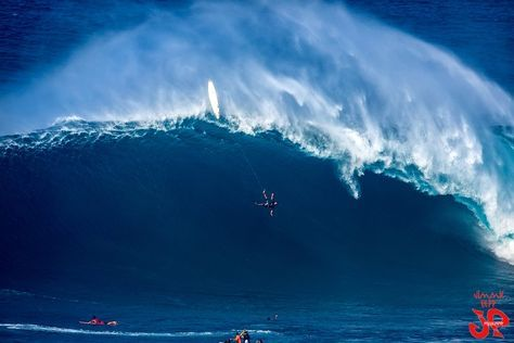 "PHOTOS: It was a ""Big Wednesday"" at Pe'ahi (Jaws) - January 27, 2016"