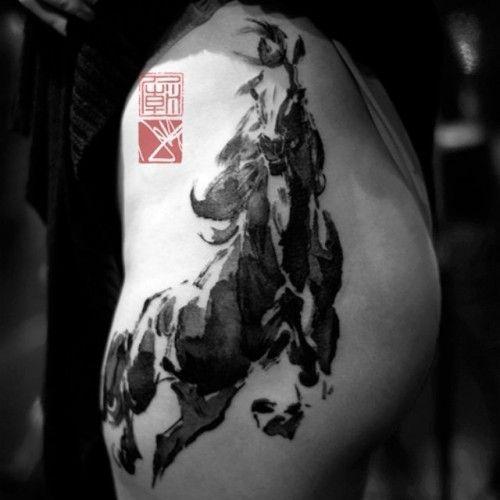 http://www.equidia.fr/equidiaetvous/tatouages-chevaux/