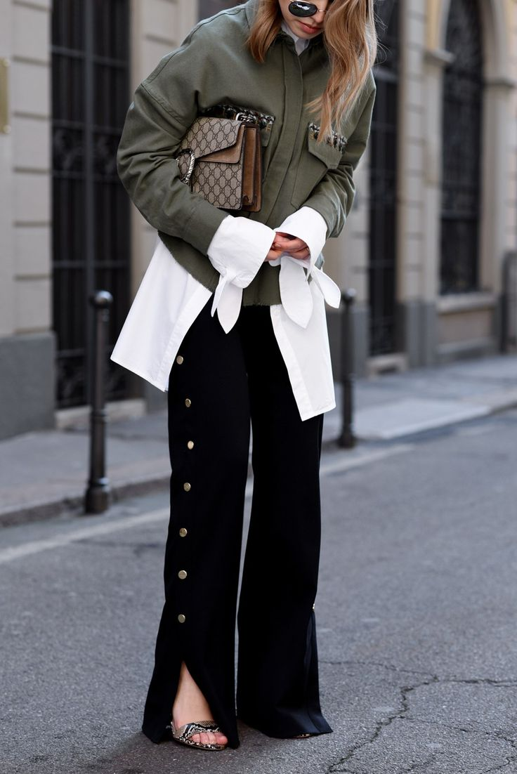 More on www.offwhiteswan.com Ethno Shirt by Zara, Long Shirt with Statement Sleeves by EDITED, Palazzo Pants by Zara, Gucci Dionysus, Reptile Sandals by H&M, Milan Fashion Week, mfw 2017, Layering, Spring Streetstyle, Fashion, Trend 2017 #swantjesoemmer #offwhiteswan
