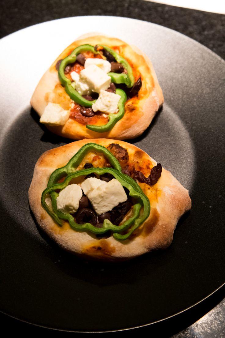 Mini πιτσάκια! Για εκείνες τις ημέρες που θέλεις να φας οπωσδήποτε πίτσα στο Nobell αλλά έσκασες από το μεσημεριανό οικογενειακό τραπέζι! #MiniPizza #Nobell #Galatsi