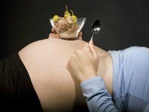 Las  náuseas son un malestar común durante el embarazo, te damos algunas recomendaciones para evitarlas.