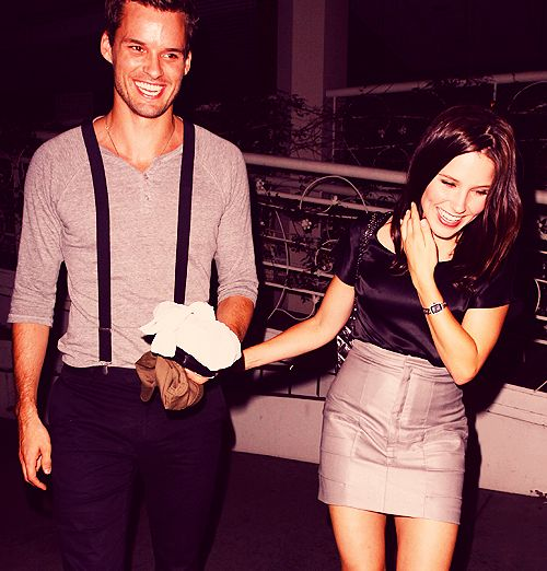 Austin Nichols and Sophia Bush matching