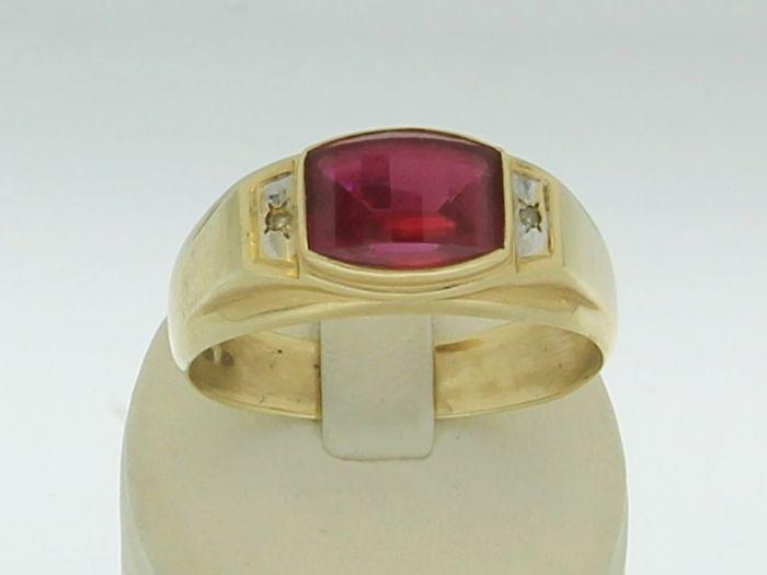 Catawiki Online-Auktionshaus: Goldener Herrenring mit großem Rubin und Diamanten