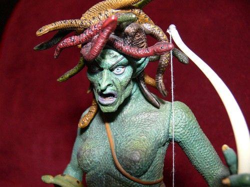 Gentle Giant Kraken & Medusa Clash of the Titans Figure ...