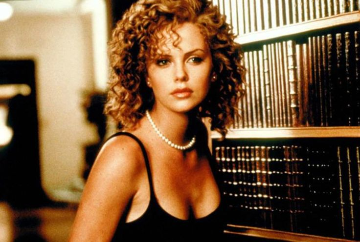 Charlize in The Devil's Advocate !