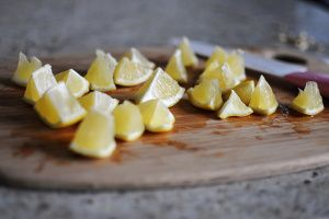 Natural Lemon Hair Highlighter - DIY