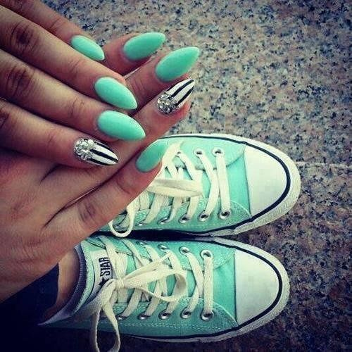 ;)) #fashion #nails #converse #sneakers