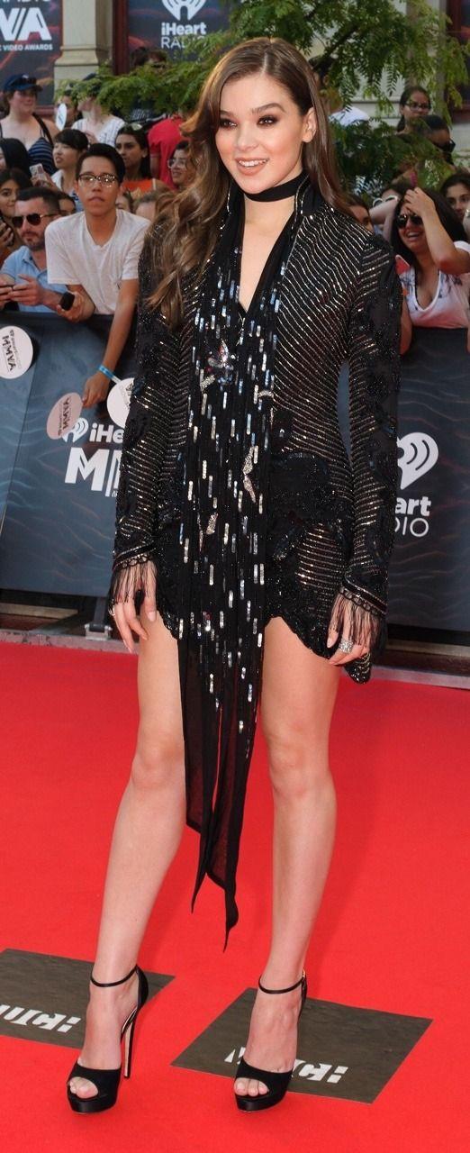 Hailee Steinfeld Long Legs Beautiful In 2019 Hailee