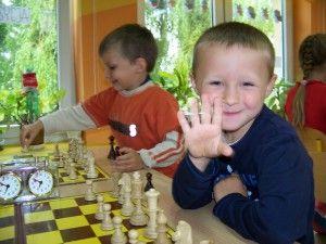 """II Turniej """"Z szachami przez życie"""" w Przedszkolu Samorządowym w Jaworzynie Śląskiej, 14.06.2012"""