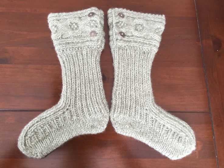 These cute moon socks are knitted both in New Zealand 8ply Wool and New Zealand 4ply Merino. Knitted in Rib with the cuff in Rib and Oxo Ripple Cable with a Stocking Stitch sole.