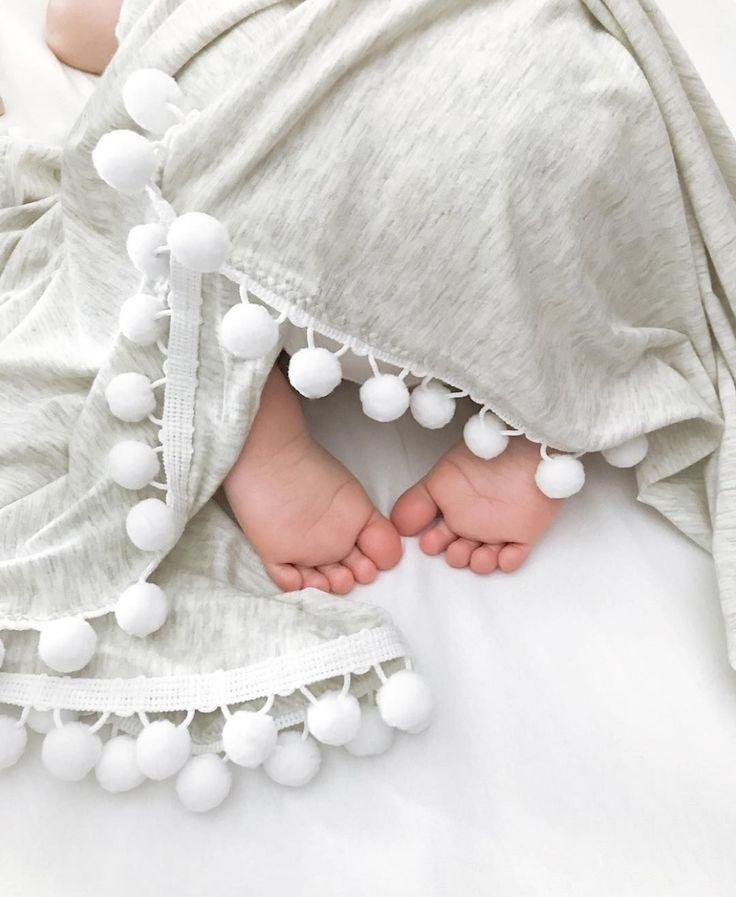 Картинки с ножками новорожденных