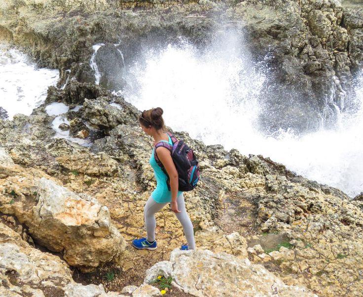 Entdecke den beliebten Wanderweg zur traumhaften Bucht Cala Varques im Osten Mallorcas. Tipps und Routen für diese abwechslungsreiche Küstenwanderung.