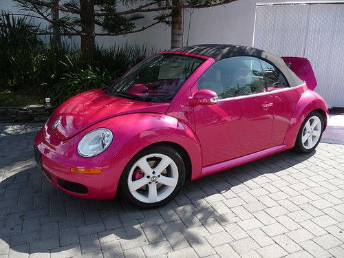 Pink Beetle ~ I can so see Rejoyce driving this!