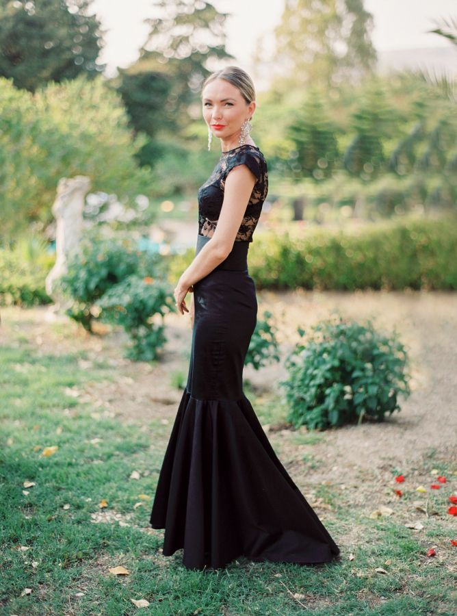 Gorgeous black tie wedding guest look: http://www.stylemepretty.com/2015/10/02/romantic-elegant-sicilian-wedding/ | Photography: Yaroslav & Jenny - http://www.yaroslavandjennyphotography.com/:
