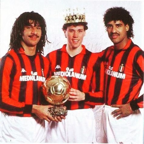 Who's your favourite AC Milan Dutch legend? #vanbasten #marcovanbasten #ruudgullit #gullit #footballshirtcollective #frankrijkaard #rijkaard #acmilan #milan #italia #soccer #netherlands