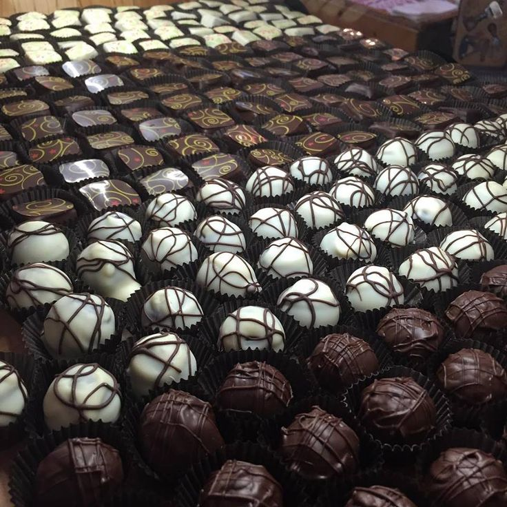 Yummy selection of gourmet #chocolates from J'adore Fine Cheese & Chocolate in #DowntownBarrie