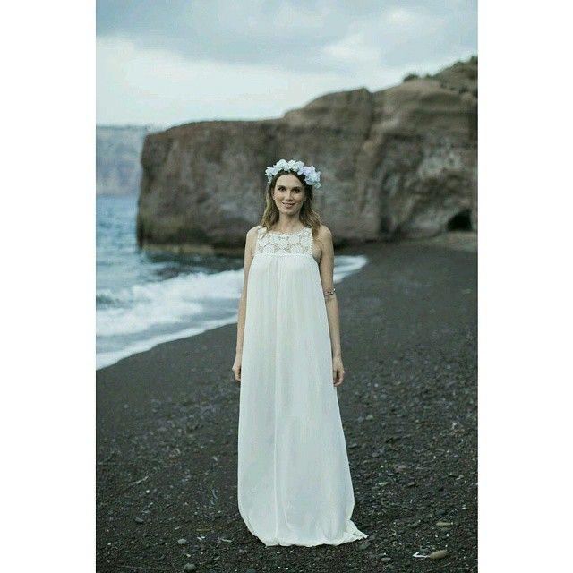 #Romance #Bohemian #Bride #Santorini  Photo credits: @tietheknotsantorini