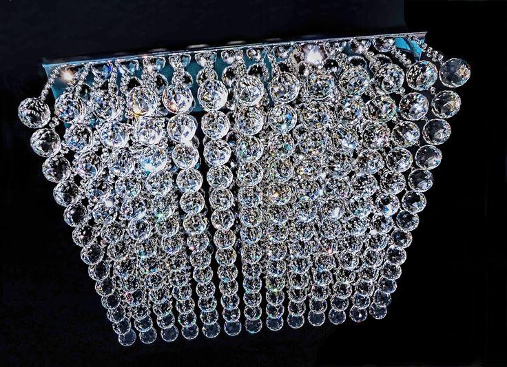 Plafon Buenos Aires, em cristais ASFOUR (Egito - 30% PbO) e acabamento em cromo. Na foto com 60cm x 60cm, pode ser fabricado em uma grande variedade de tamanhos. #plafondecristal #mundodasluminarias