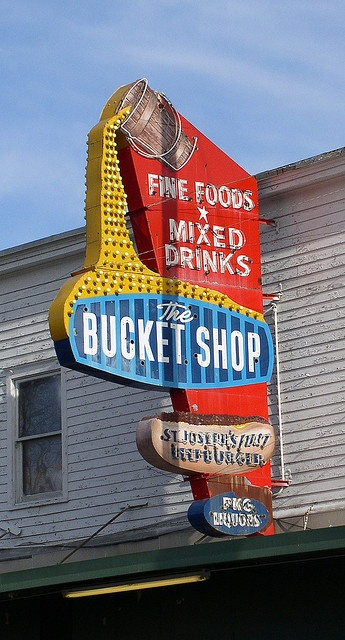 Bucket Shop - St Joseph MO. Some of the best beefburgers ever.  I used to go there with my Aunt and Uncle when I was a little girl.  My Aunt would have her bucket of beer and my Uncle and I would have Soda Pop...